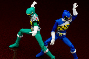 Detailed Photographs of S.H. Figuarts KyoryuGreen & Blue Set